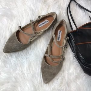Steve Madden Edggy Almond suede pointed flats